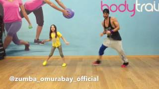Zumba Fitness Enrique Iglesias Duele El Corazon omurabay&SENA my honey only 7 years old the best ...