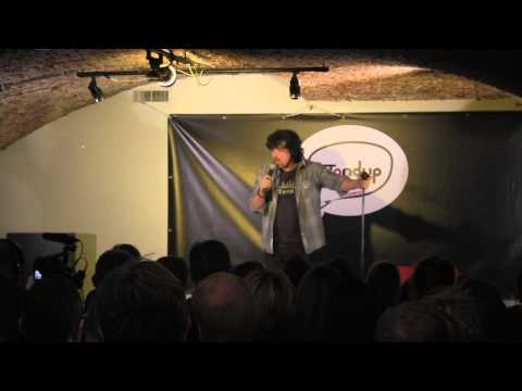 Adrian Minkowicz stand up comedy about airports In Belgium