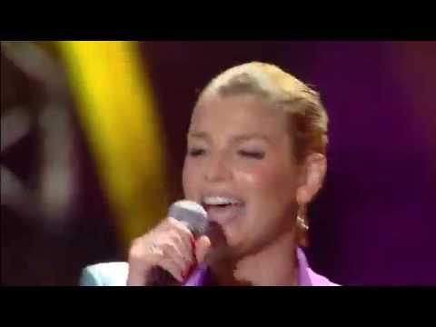 Alvaro Soler -  Libre- feat.  Emma Marrone - LIVE (italia dance)2016