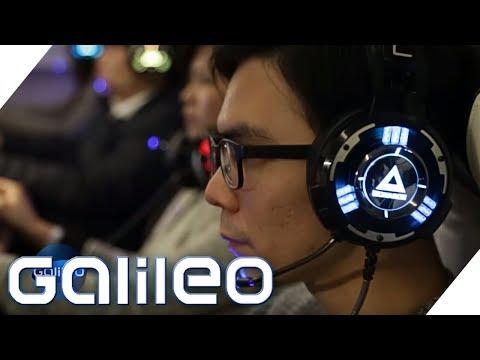 Galileo besucht das erste Gaming Hotel weltweit | Galileo | ProSieben