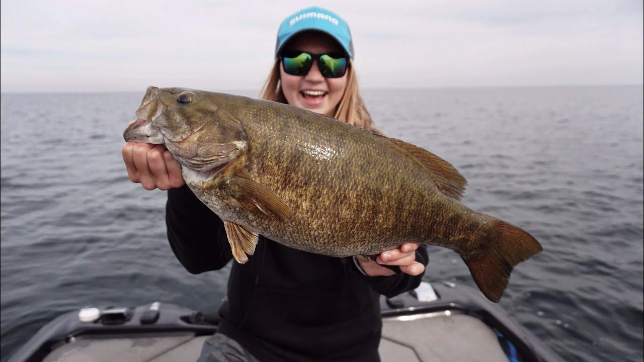 Biggest smallmouth of my life lake simcoe youtube for Lake simcoe fishing