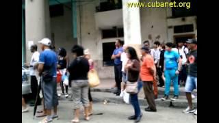 Operativo policial contra vendedores en Cuba