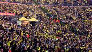 Torjubel BVB Fans beim DFB Pokalfinale 2012 an der Waldbühne Berlin Borussia Dortmund FC Bayern