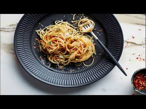 pasta-with-15-minute-garlic,-oil,-and-anchovy-sauce