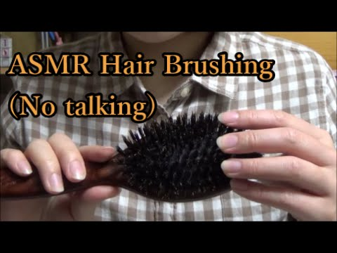 【ASMR/Binaural】Hair brushing sounds by 2 kinds of combs(No ...
