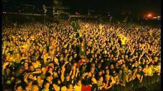 Coldplay - Yellow  Live Glastonbury 2002
