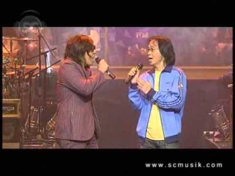 Chrisye feat Naif  Tjah Ajoe Konser Musik Senyawa