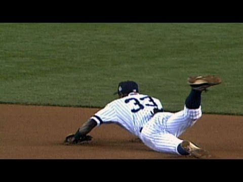 2001 WS Gm5: Soriano lays out for game-saving grab
