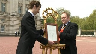 Royal Notice of Newborn's Arrival Placed on Easel