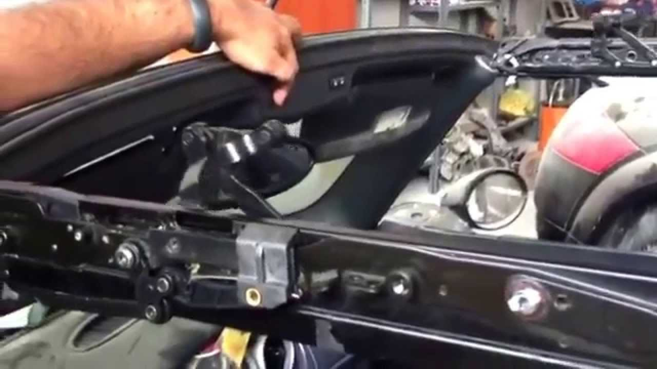 hight resolution of mini cooper r52 convertible top is not completely open