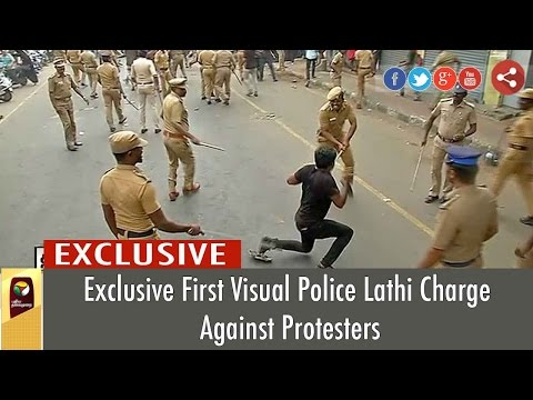 LIVE Jallikattu Protest: Police Lathi-charge on Youth Students at Marina Beach