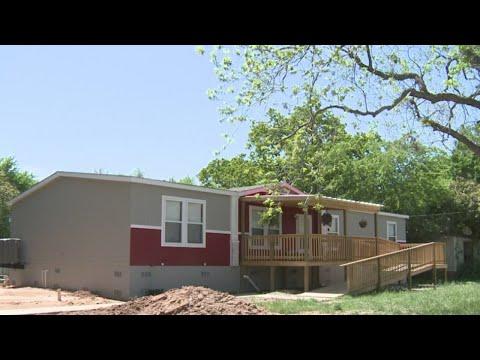 KXAN - New homes finished in La Grange as more Harvey victims seek help
