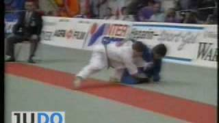 JUDO 1993 European Championships: Nazim Huseynov (AZE) - Huseyin Ozkan (TUR)