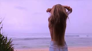 Девушка на пляже Нянг-Нянг