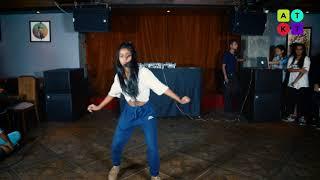 Popping Dance Showcase by Shweta Chauhan   ATKT.in Dance Open Stage   Auro Kitchen & Bar