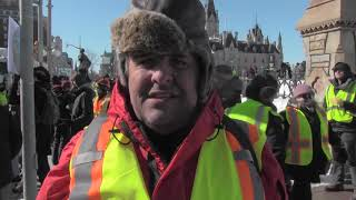 Pro-pipeline convoy arrives at Parliament Hill