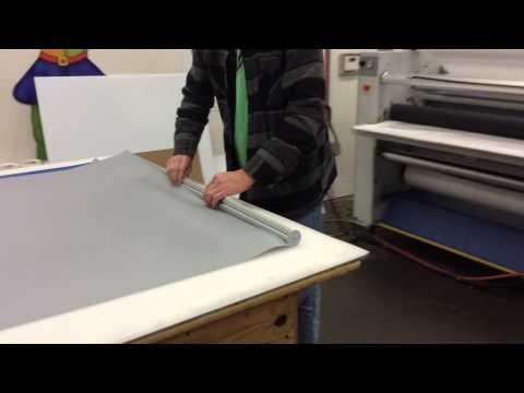 how-to:-set-up-silvertone-retractable-banner-stand-tutorial