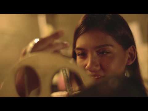 Antara Kita by Monita Tahalea- OST Aruna Dan Lidahnya | Tayang 27 September 2018