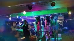 Kolkata girls dance in the Bar