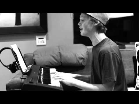 Justin Bieber - Down to earth (Cover by Max Edwards)
