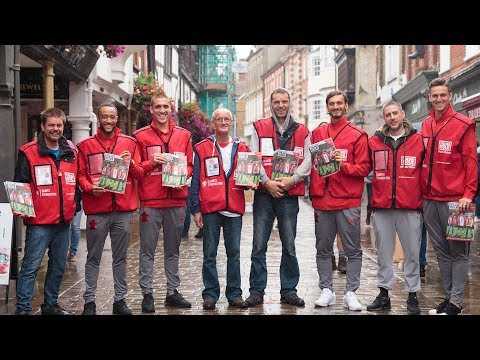 Southampton FC stars become Big Issue vendors for a day