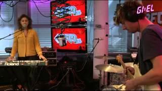 Amber Gomaa  - Chaka Khan Medley (live bij GIEL)