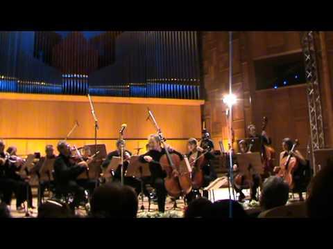 Mario Brunello si Orchestra d`Archi Italiana cantand Piazzola (fragment)