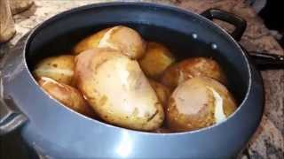 how to peel a potato fast and easy   peel a potato with your bare hands in cold water