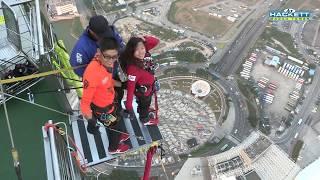 Video Travel Up: Bungy Jumping in Macau - AirAsia Crazy Jump Day 2017 download MP3, 3GP, MP4, WEBM, AVI, FLV Juli 2018