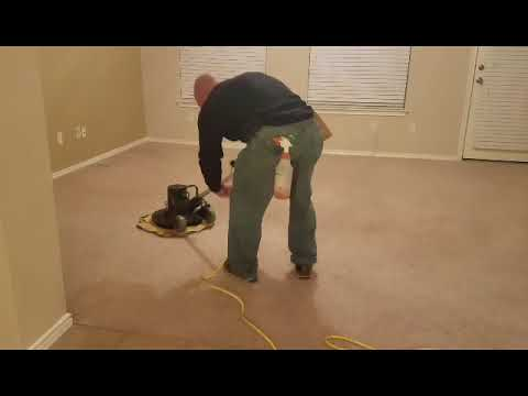Full video carpet stretching and cleaning in Austin Texas.