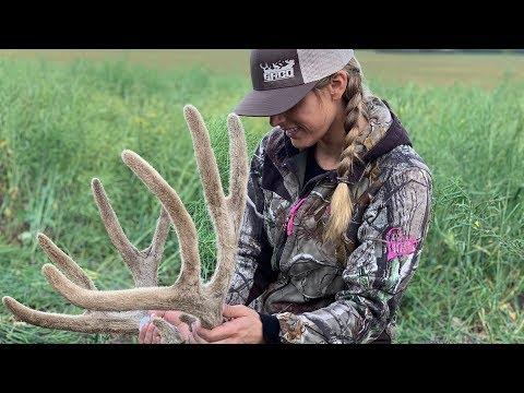How To Clean, Cape & Quarter a Mule Deer Buck {Deer Meat For Dinner}