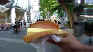 SINGAPORE STREET FOOD   MENCOBA MAKAN ES KREAM POTONG DI JALANAN