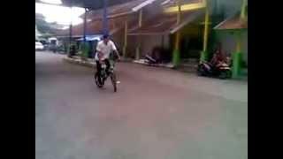 Syariff Bmx Flatland Ploso/Jombang: Freestyle Yang Gagal -_-