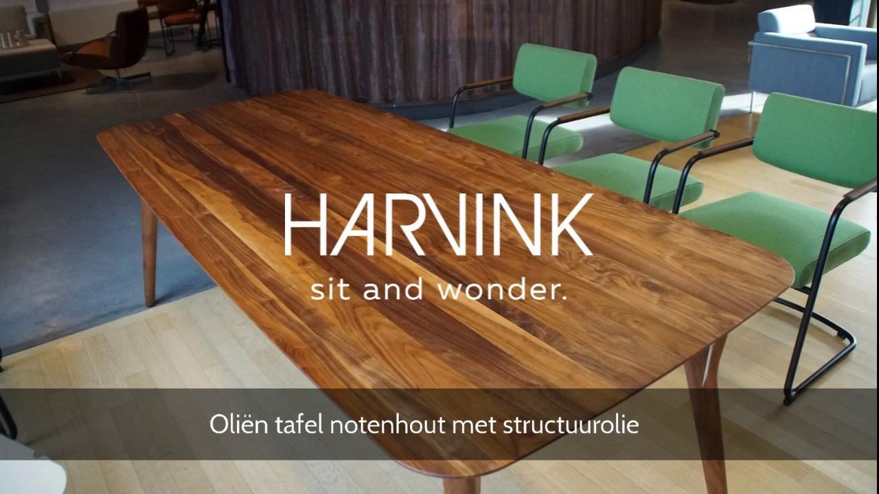 Houten Tafel Behandelen : Houten tafel in de olie zetten onderhoud houten tafel youtube