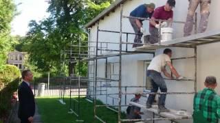 Drugi etap remontu elewacji świetlicy w Miętnie