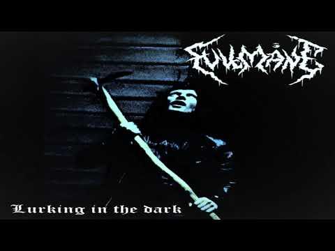 Fullmåne - Lurking in the Dark (Full-length : 2020)