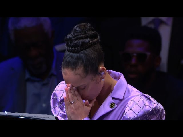 "Alicia Keys performing Beethoven\'s \""Moonlight Sonata\"" in honor of Kobe Bryant"