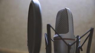 Как написать и  записать новость для радио