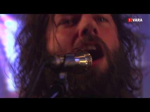 BöKKERS - HAMER SPIEKER BIELE BOOM (Live bij 3FM On Stage)
