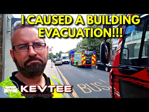 Causing Chaos In Central London | Salvage Hunting | UK Trucking