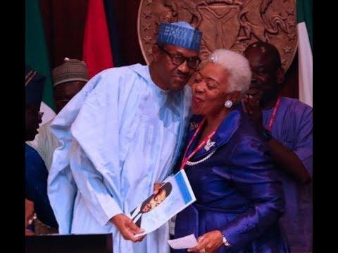President Buhari recieves a fake Martin Luther King award