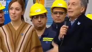 Video: Para Macri es lo mismo entregar computadoras que entregar asado