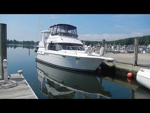35' 1999 Carver 356 Offshore Yacht Sales