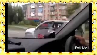 Нарочно не придумаешь! Казусы на дороге(Просто отдыхайте. Подписывайтесь: http://goo.gl/yzctgV Coomeet - видеочат знакомств без регистрации: http://goo.gl/9qgUE5., 2015-01-18T10:13:00.000Z)