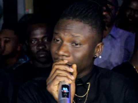 Stonebwoy Sings Birthday Song for Ebony