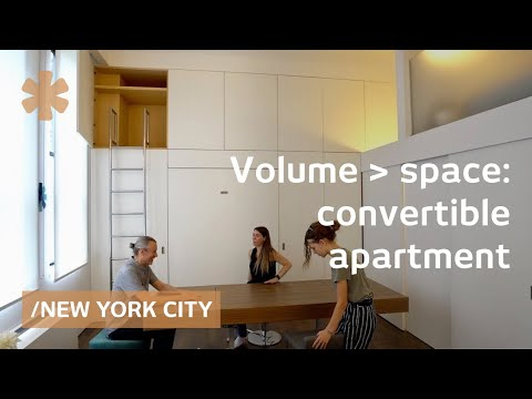 Convertible NY Flat Expands Amid High Ceilings & Big Windows