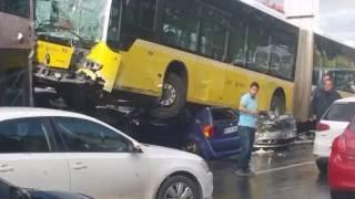 Acıbadem'deki metrobüs kazası anı