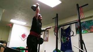 Building Muscle with Kettlebells : Heavy One Arm Kettlebell Long Cycle Training