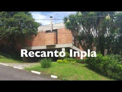 Casa na Granja Viana com exuberante área verde   CA1149
