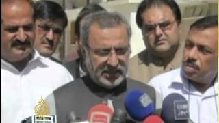 Pakistan scrambles to reach quake victims